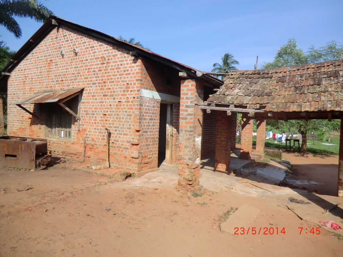 Repair an orphange in DR Congo