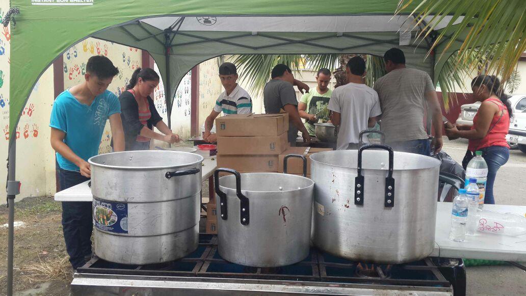 Ecuador earthquake relief food
