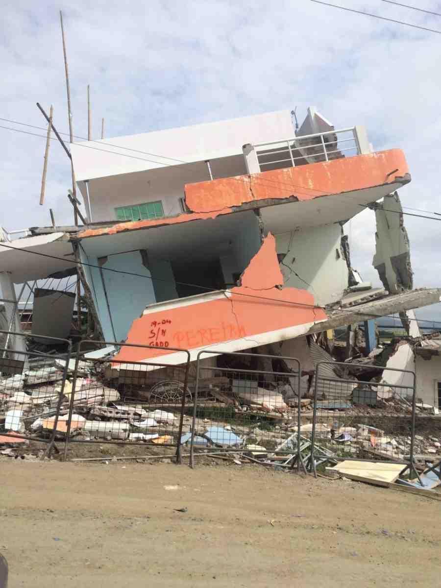 Ecuador earthquake damage