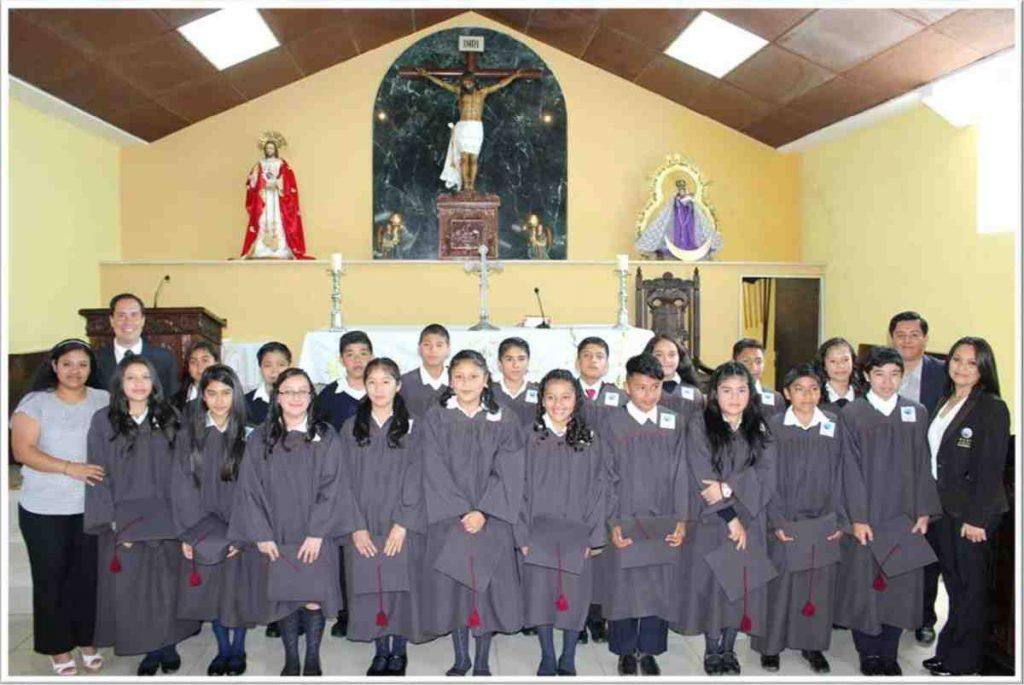 Mano Amiga Guatemala graduation class