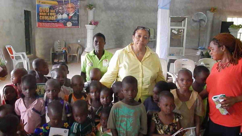 Felicia Amanambu with School children - Nigeria