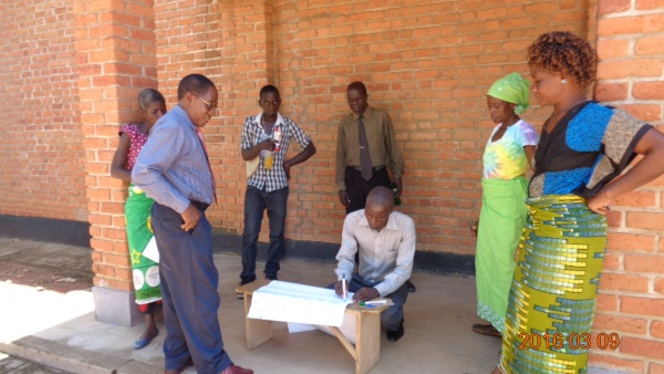 Small group discussions at St. Steven\'s - Malawi