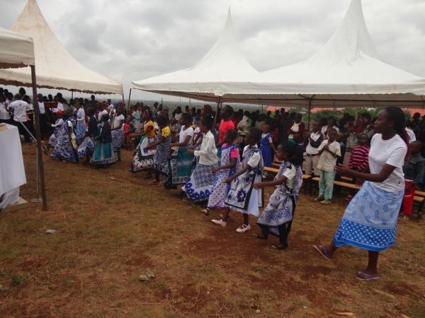 Celebrating baby Jesus with dance - Kenya
