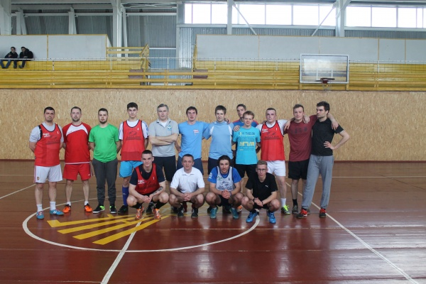 2017 Polish Mission trips - boys\' basketball team