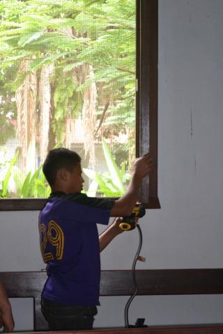Children taking part in chores - Farm of the Child - Honduras