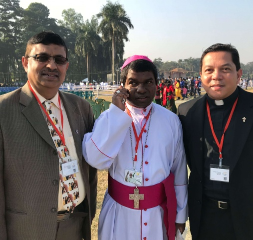 Bangladesh - Danny Sequeira, CWM partner (left), and Deacon Rick Medina (right) pictured with Bishop Sebastian Tudu of the Diocese of Dinajpur, Bangladesh, just before Mass with Pope Francis