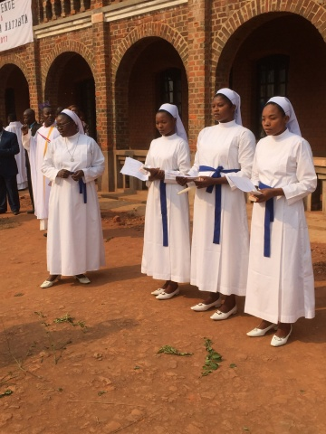 Sisters of the Friends of Christ making final vows