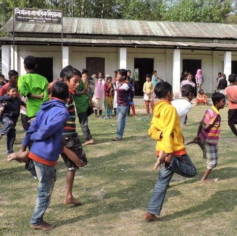Bangladesh - Play time!