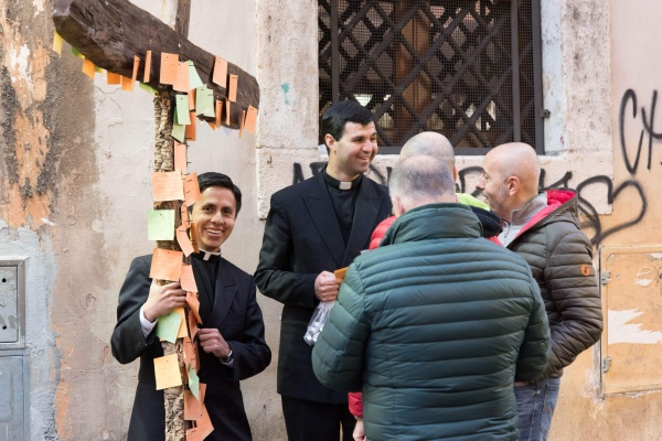 Legionaries of Christ evangelizing on the streets of Rome