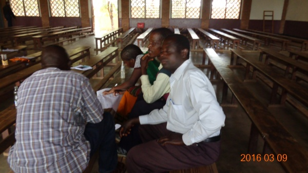 Small group sharing from St. Steven\'s - Malawi