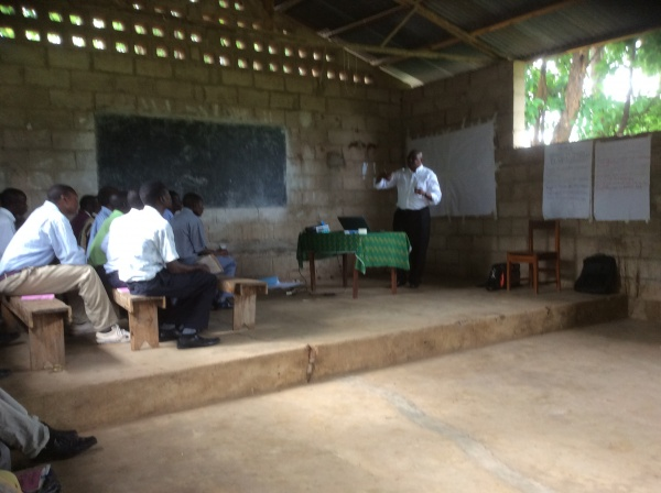 Mosignor Denis Chitete, training at St. Anne\'s training - Malawi