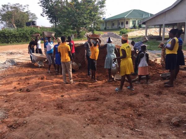 Ghana - construction update, January 2017; even children help!