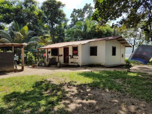 Middle school girls home - Honduras