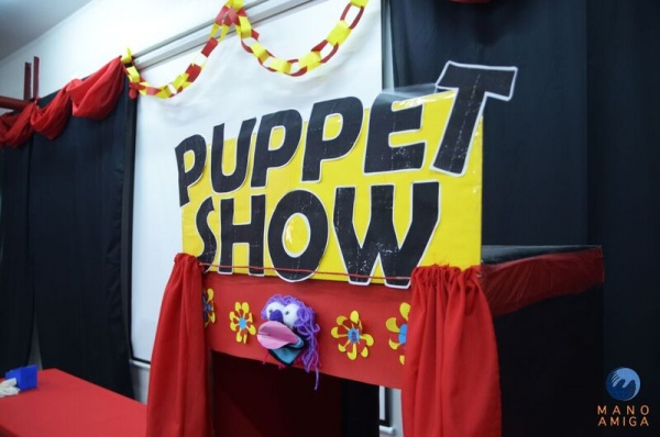 MA Philippines - 4th Grade puppet show just before showtime!