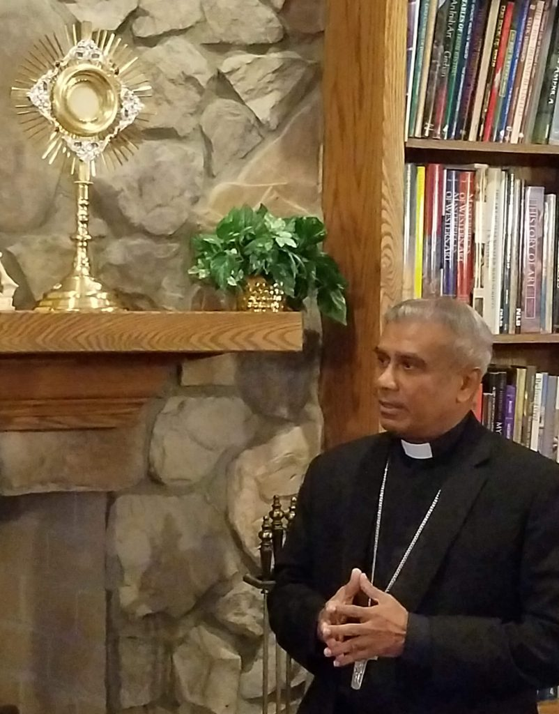 Atlanta, USA - Bishop Perera receives two monstrances for his diocese in Sri Lanka