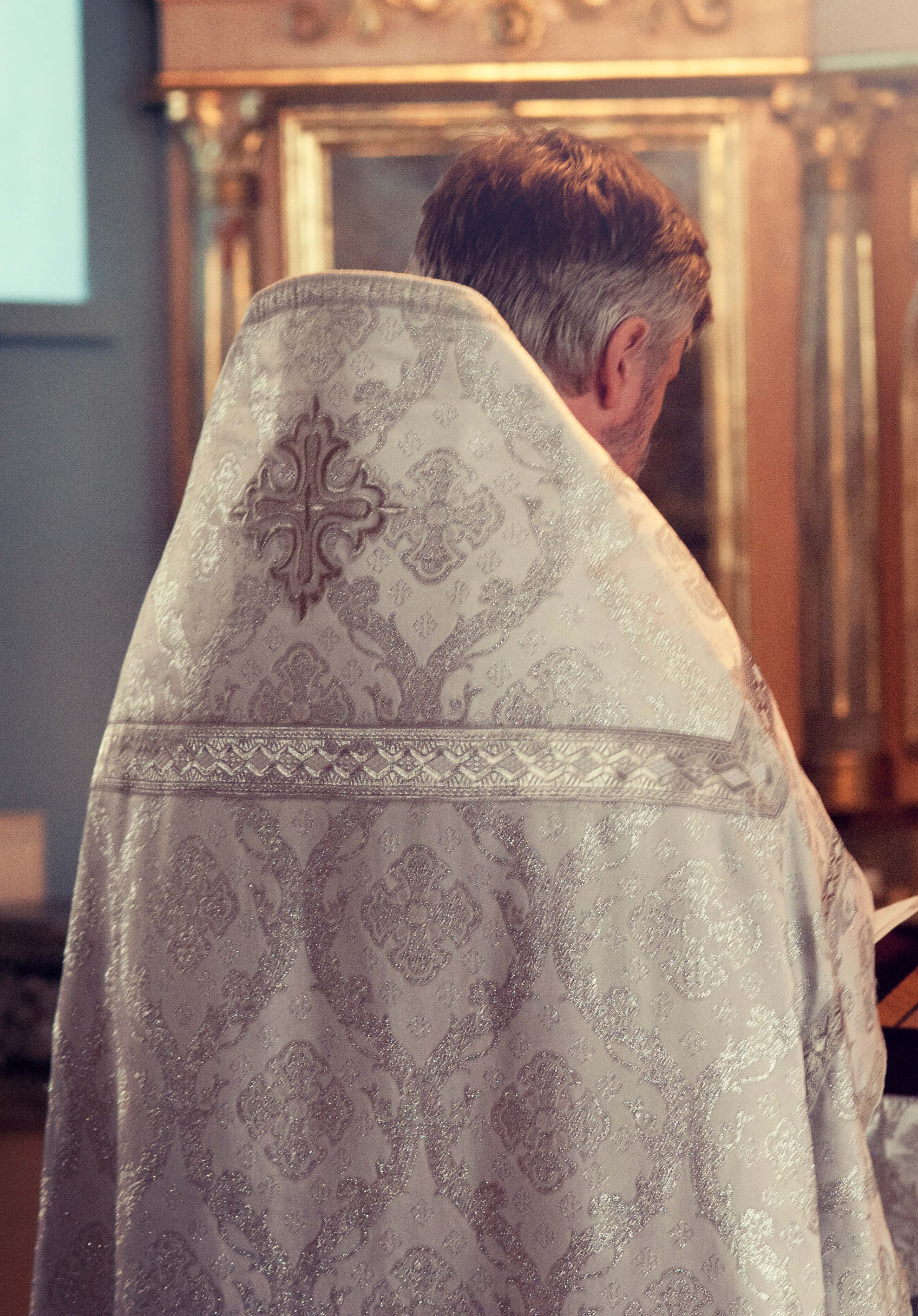 Priest vested for Reposition of the Blessed Sacrament