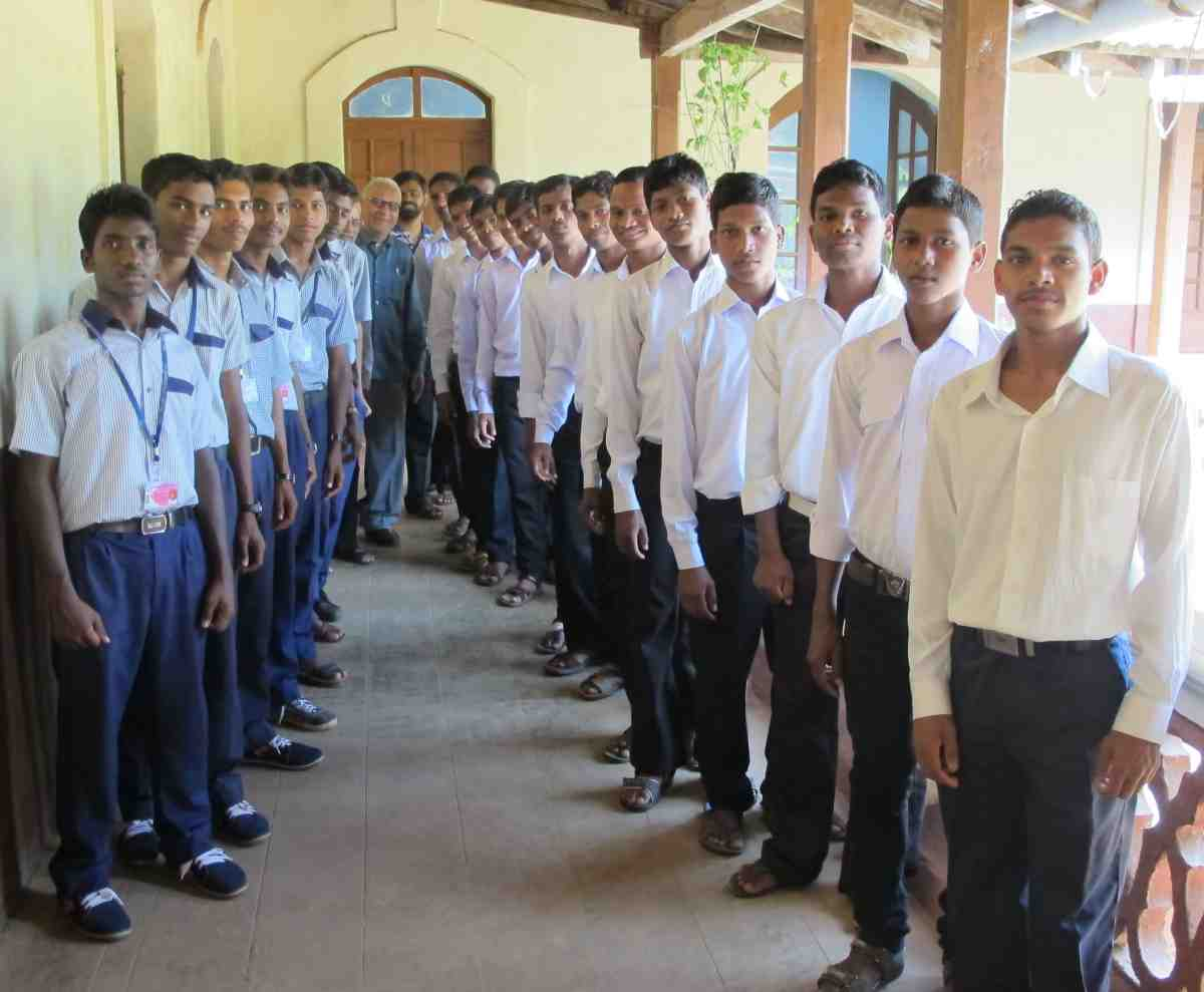 Novice and Postulant classes of the Missionaries of St. Francis de Sales in Bastora, India