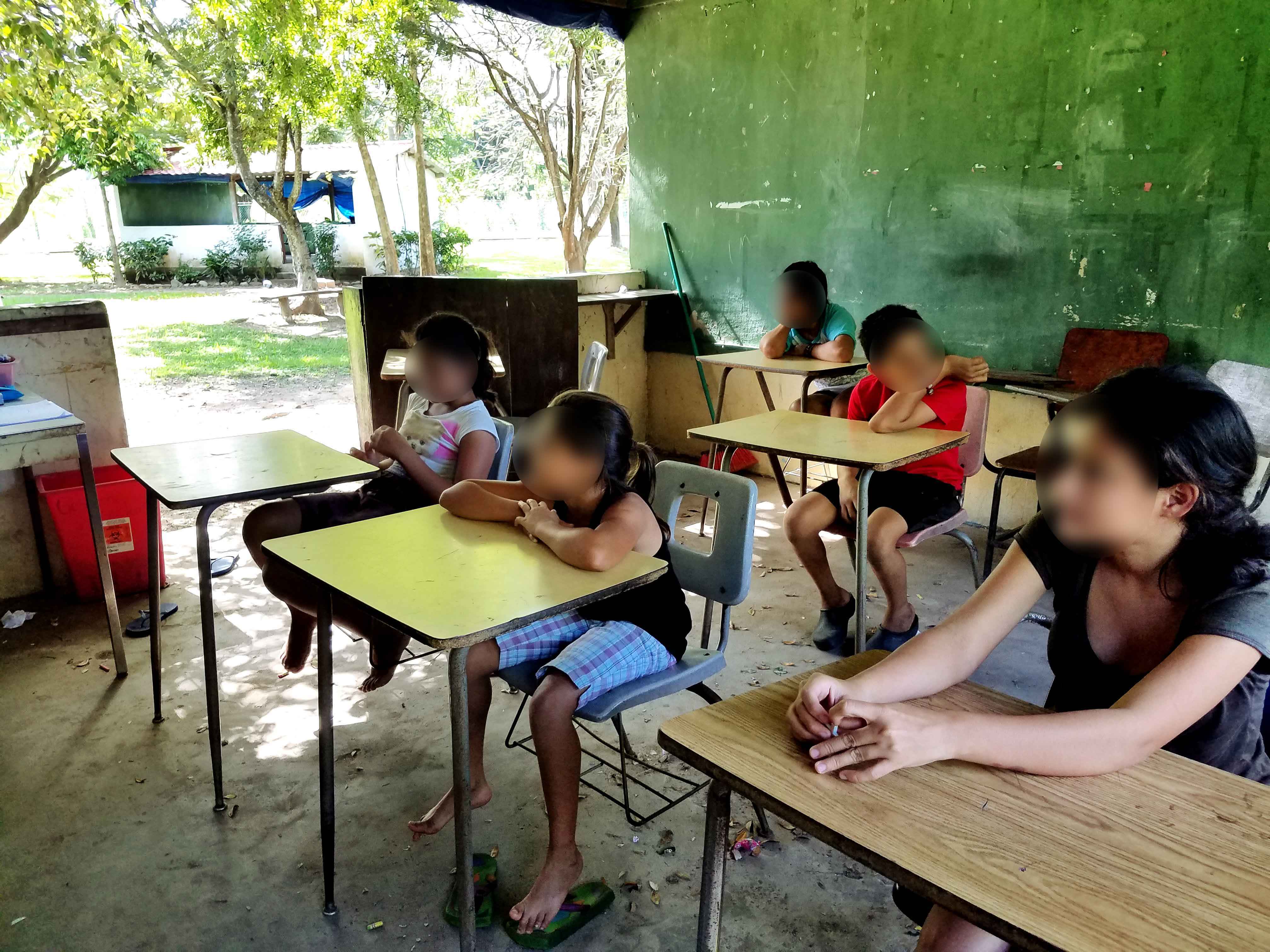 Children learning at St. Peter\'s Catholic School - Honduras