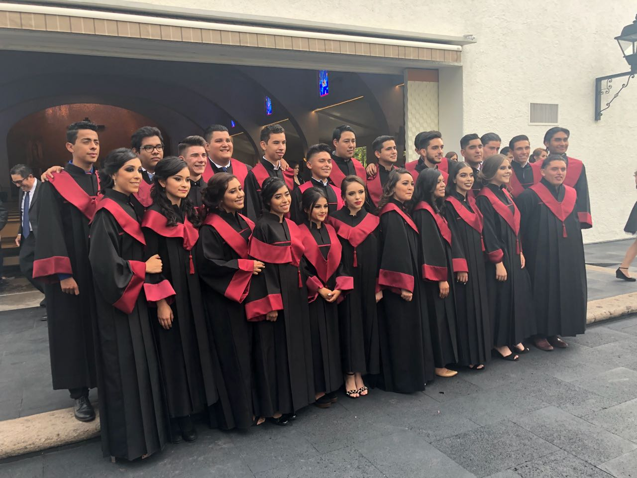 Mano Amiga Guadalajara first-ever class of graduating seniors. Felicidades!
