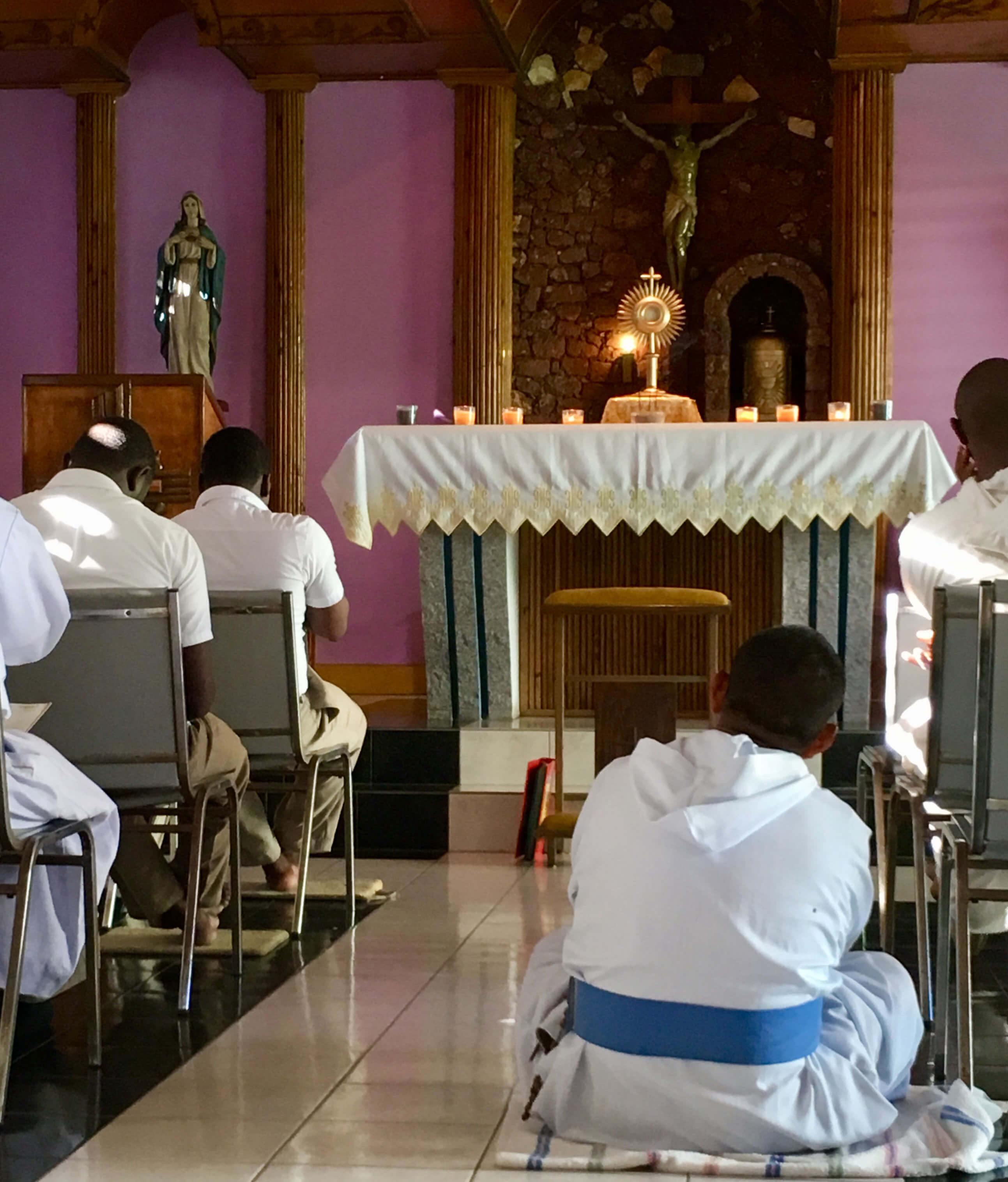 Every day with the Missionaries of the Poor begins with prayer before the Blessed Sacrament.