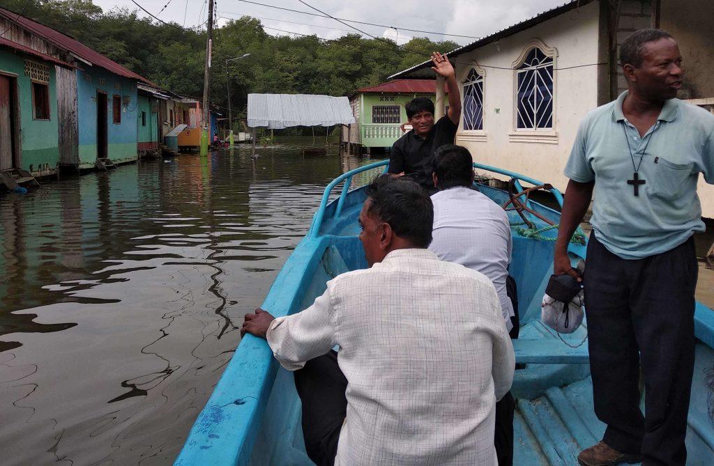 Ecuador mission outreach by boat