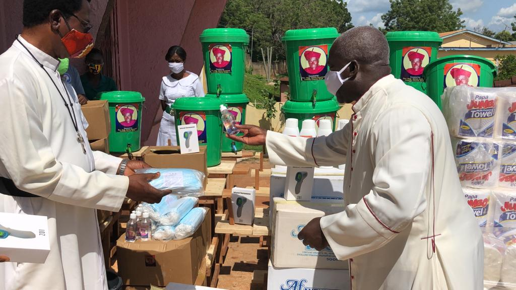 Ghana - St. John at Sefwi Asafo - hospital supply given - COVID response - May 2020 (2)