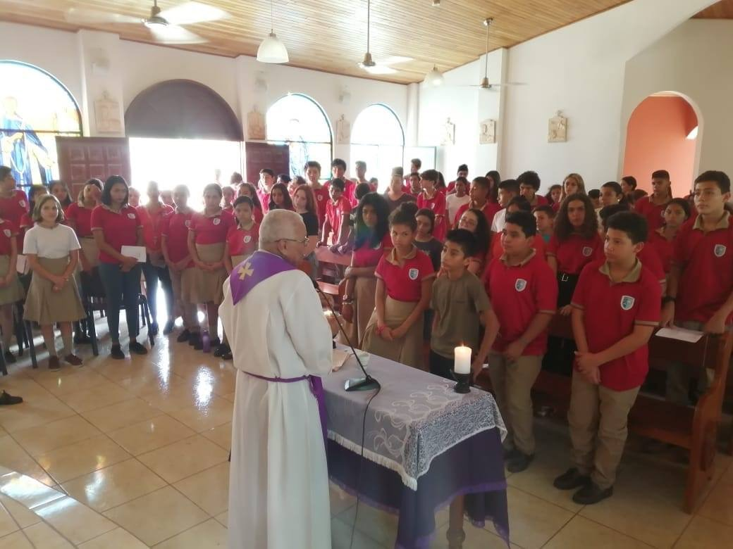 Costa Rica - Fr. Eduardo - Ash Wednesday with students - Feb 2020