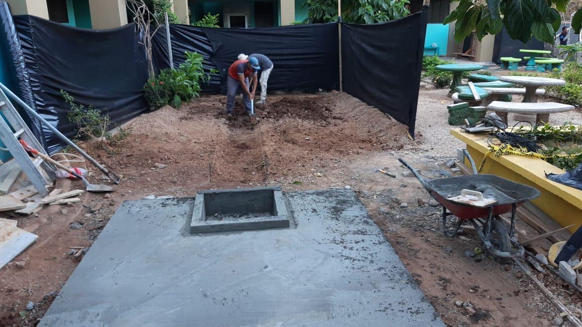 Costa Rica - Vittorino Girardi High School- old bathroom repairs