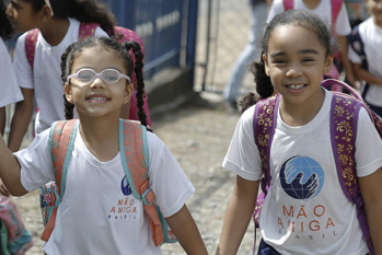 Mano Amiga - Sponsor a child's education today