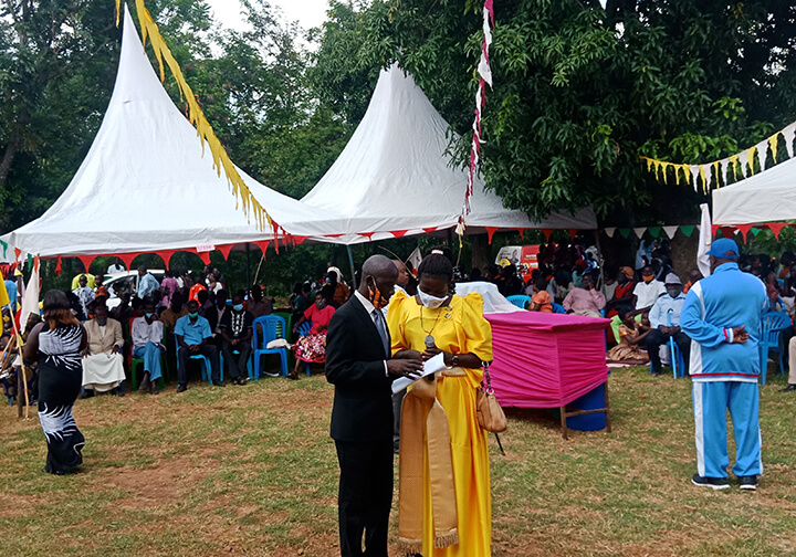 EV_Uganda_St Theresa Church mass