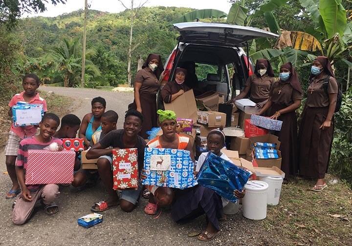 Jamaica_CFSOP_ Care packs_food_distribution