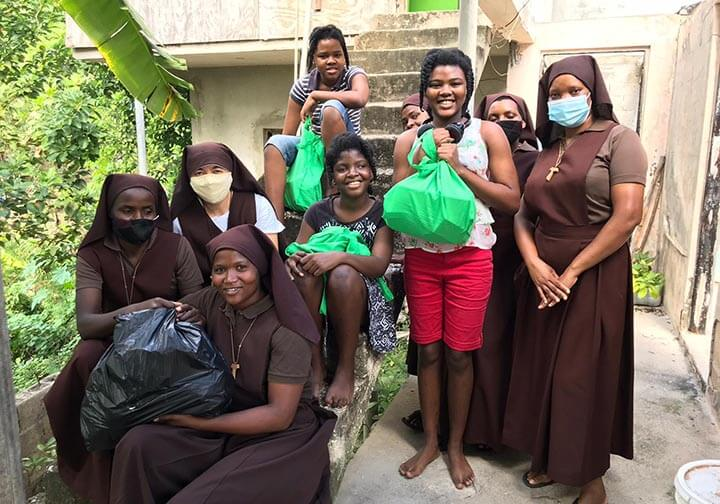 Jamaica_CFSOP_ Care packs_food_distribution 2020