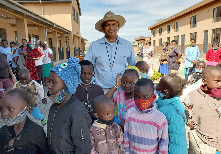 Missionaries of the Poor helping the orphans in Kenya