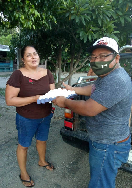 P_123020_Mexico_ETC_Flooding Leonel Gongora delivering eggs to the people affected by the floods ok