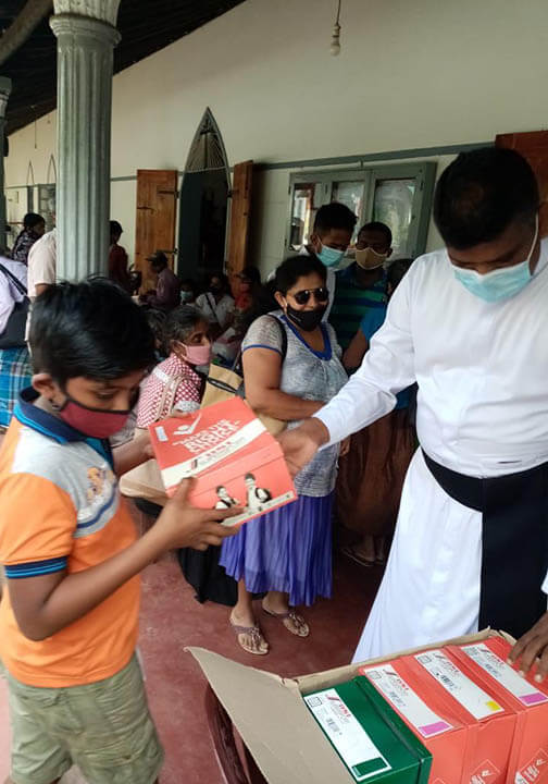 Essential supplies for families and children in Sri Lanka Christmas 2020
