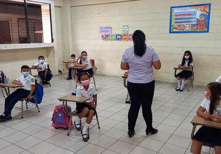 In El Salvador, the Mano Amiga San Salvador location has 414 students and 17 teachers